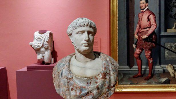 Overzicht met een buste en daarachter portret van Gian Gerolamo Grumelli van Giovan Battista Moroni (1520/1524-1578). Foto: Evert-Jan Pol.